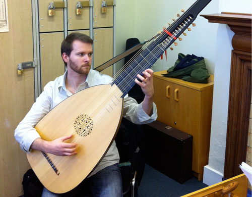 d-minor theorbo
